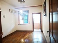 华容小区 3楼 三室两厅两卫 中山路 状元中路交叉口 1300元 有钥匙