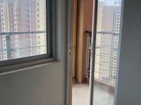 大唐凤凰城 1号地 32楼 三室二厅 117平 毛坯 81万 前五遮挡 西边套
